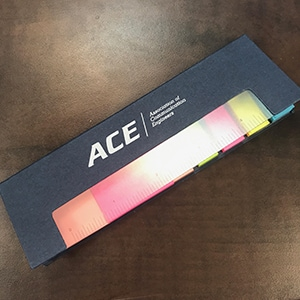 One ruler cover sticky note dispenser