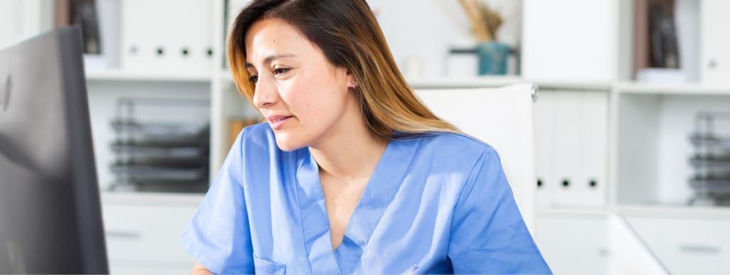 nurse doing online training